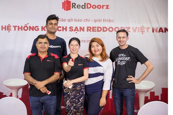 Kỳ lân Ấn Độ OYO đang âm thầm xâm nhập Việt Nam, quyết chiến với RedDooz ở thị trường đặt phòng khách sạn giá rẻ đầy màu mỡ - Ảnh 1.