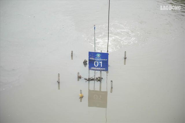 Nước sông Tô Lịch đổi màu từ đen sang nâu: Được thế là may rồi!  - Ảnh 2.