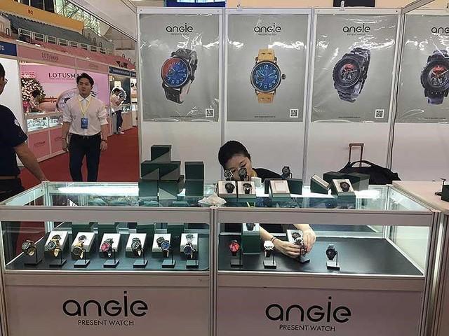 Nhiều đại gia quyết định bán đồng hồ - Ảnh 1.