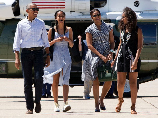 Hé lộ thu nhập khủng từ công việc ít ai biết tới của gia đình cựu Tổng thống Obama sau khi nghỉ hưu và cách tiêu tiền gây bất ngờ của họ - Ảnh 13.