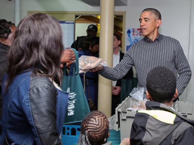 Hé lộ thu nhập khủng từ công việc ít ai biết tới của gia đình cựu Tổng thống Obama sau khi nghỉ hưu và cách tiêu tiền gây bất ngờ của họ - Ảnh 18.