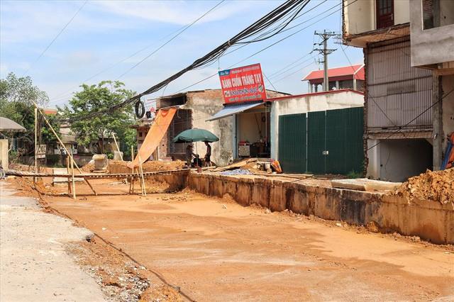 Hà Nội: 8 năm thi công không xong một tuyến đường dài 2,3km - Ảnh 5.