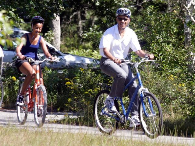 Hé lộ thu nhập khủng từ công việc ít ai biết tới của gia đình cựu Tổng thống Obama sau khi nghỉ hưu và cách tiêu tiền gây bất ngờ của họ - Ảnh 7.