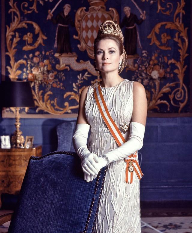 Cuộc đời ly kỳ của Grace Kelly: Tiểu thư triệu phú bỏ tượng vàng Oscar để thành Công nương hoàng gia và cái chết bí ẩn - Ảnh 7.