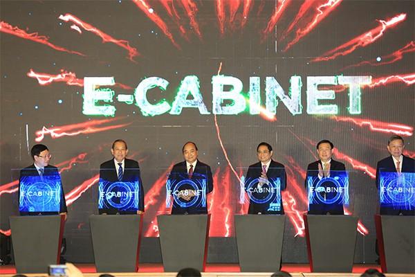 Phiên họp 10 phút đầu tiên của Chính phủ qua hệ thống e-Cabinet - Ảnh 1.