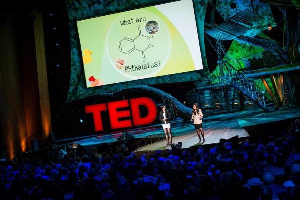 Cuộc cách mạng môi trường được thế giới mong chờ: Nhựa sẽ có thể được tái chế thành CO2 và nước  - Ảnh 2.