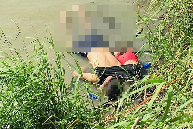 Nữ phóng viên tiết lộ sự thật ít ai biết đằng sau bức hình cha con người di cư chết đuối gây chấn động thế giới - Ảnh 1.