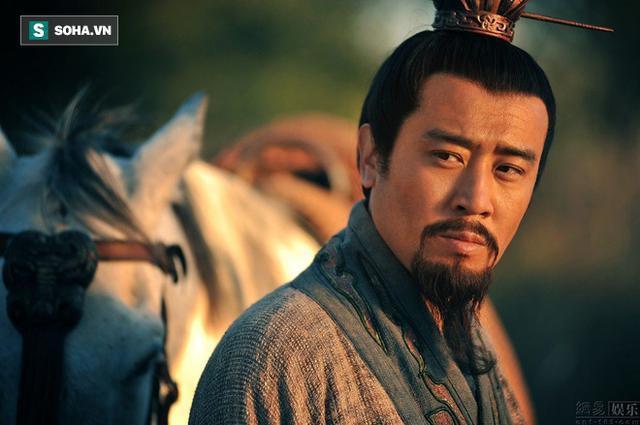 Tam quốc diễn nghĩa: Mổ xẻ mới thấy toan tính của Lưu Bị khi ném con trước mặt Triệu Vân - Ảnh 1.