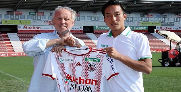 Ligue 2 khắc nghiệt thế nào với cầu thủ châu Á như Công Phượng?  - Ảnh 2.