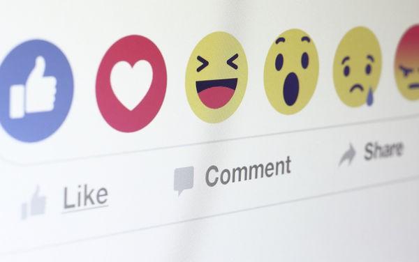 Facebook cảnh báo xoá tài khoản người dùng mua like tại Việt Nam - Ảnh 2.