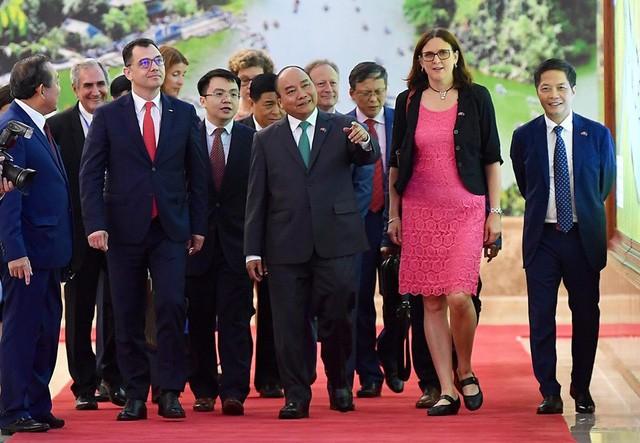 Những khoảnh khắc ấn tượng trong lễ ký kết lịch sử giữa Việt Nam và EU - Ảnh 3.