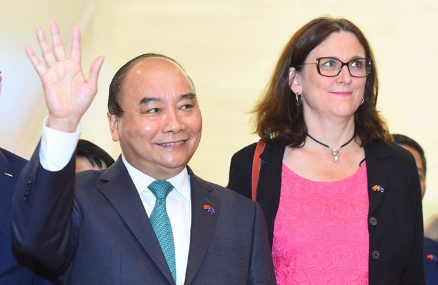 Những khoảnh khắc ấn tượng trong lễ ký kết lịch sử giữa Việt Nam và EU - Ảnh 4.