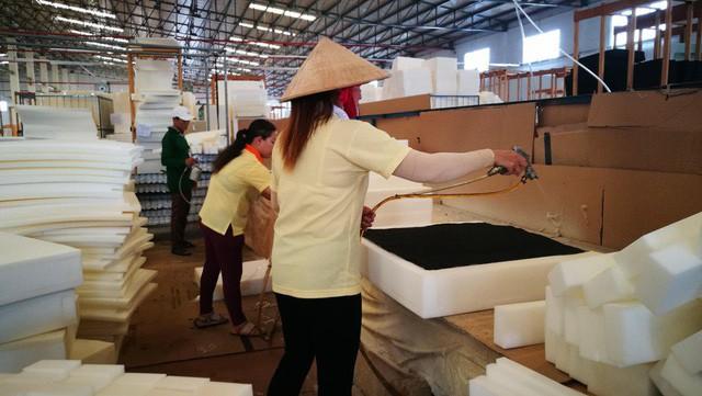 Báo Trung Quốc: Các công ty đến sau đang phải tranh giành lao động Việt Nam - Ảnh 2.