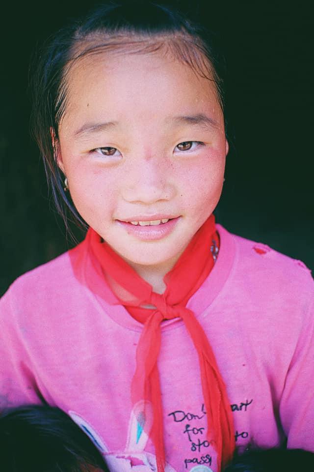 """Cuộc trò chuyện lúc nửa đêm với cô gái đi Hà Giang để """"gom về một vườn trẻ"""": Chỉ mong các em mãi giữ được sự thuần khiết như hoa như sương vùng đất này - Ảnh 18."""