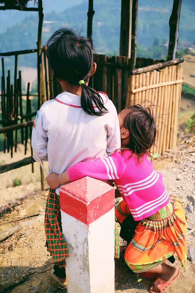 """Cuộc trò chuyện lúc nửa đêm với cô gái đi Hà Giang để """"gom về một vườn trẻ"""": Chỉ mong các em mãi giữ được sự thuần khiết như hoa như sương vùng đất này - Ảnh 36."""