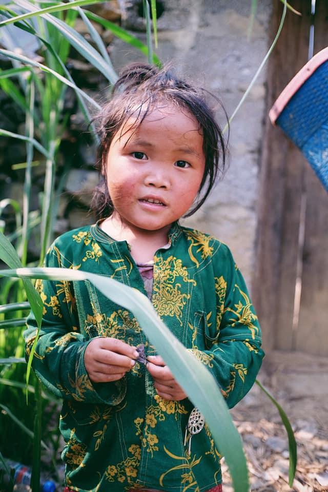 """Cuộc trò chuyện lúc nửa đêm với cô gái đi Hà Giang để """"gom về một vườn trẻ"""": Chỉ mong các em mãi giữ được sự thuần khiết như hoa như sương vùng đất này - Ảnh 37."""