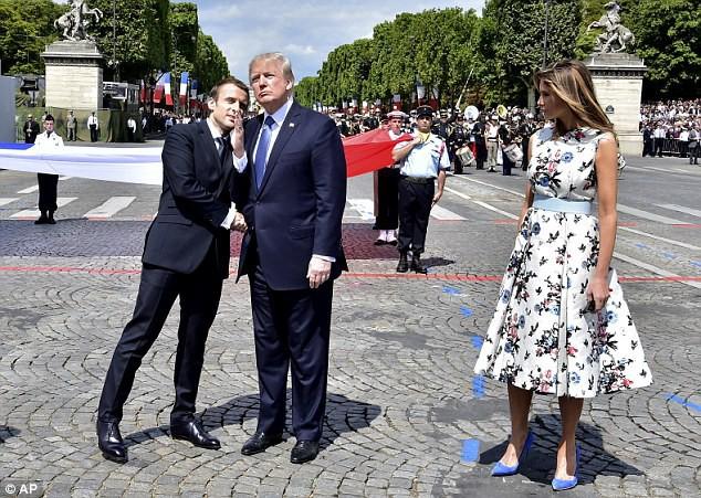 Lần thứ 2 gặp Nữ hoàng Anh, TT Trump lại khiến dân mạng dậy sóng vì cú bắt tay... chẳng giống ai? - Ảnh 6.