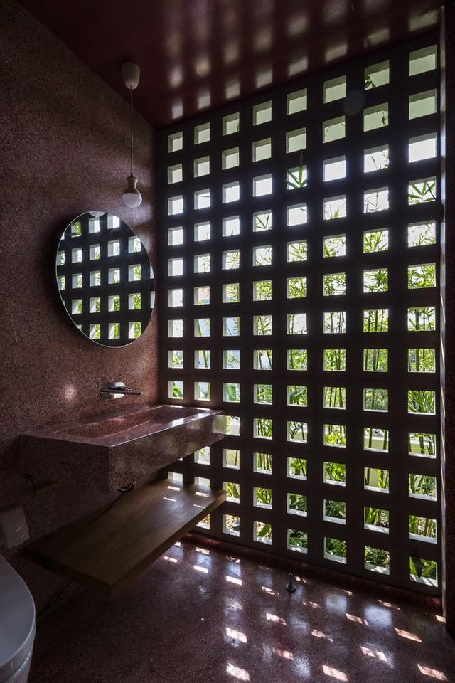 [Ảnh] Ngôi nhà ống 3 tầng có thiết kế lạ, độc đáo ở TP HCM - Ảnh 14.