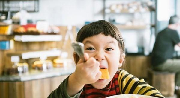 Kỹ năng nuôi dạy con siêu đẳng của cha mẹ Nhật để trẻ thông minh và có trách nhiệm hơn - Ảnh 4.