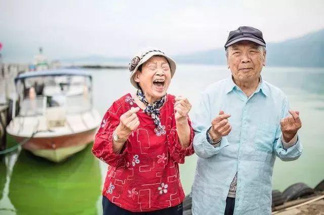 Tình bạn trong mơ: 14 người già cô đơn tự thuê hai căn biệt thự ngoại ô cùng nhau sống trọn vẹn những năm tháng cuối đời - Ảnh 9.