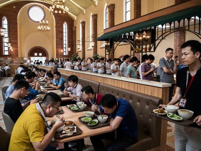 Hé lộ cuộc sống nhân viên Huawei tại công ty công nghệ kín tiếng bậc nhất thế giới - Ảnh 9.