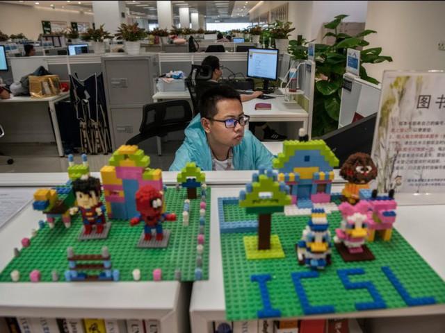 Hé lộ cuộc sống nhân viên Huawei tại công ty công nghệ kín tiếng bậc nhất thế giới - Ảnh 5.