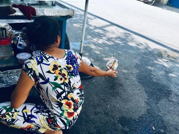 Hiếm muộn 24 năm, vợ chồng Sài Gòn gọi vịt là con, ăn ngủ cùng - Ảnh 7.