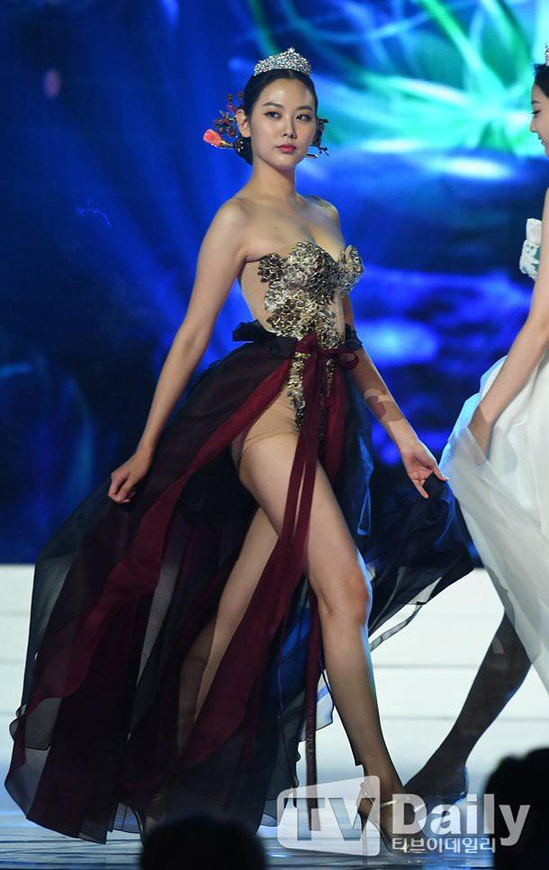 Bóc trần mặt tối cuộc thi Hoa hậu Hàn Quốc: Trao 8 vương miện, đầy quy tắc ngầm, loạt Hoa-Á hậu dính bê bối tình dục - Ảnh 22.