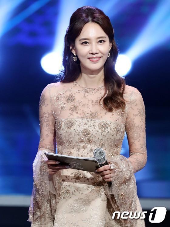 Bóc trần mặt tối cuộc thi Hoa hậu Hàn Quốc: Trao 8 vương miện, đầy quy tắc ngầm, loạt Hoa-Á hậu dính bê bối tình dục - Ảnh 28.