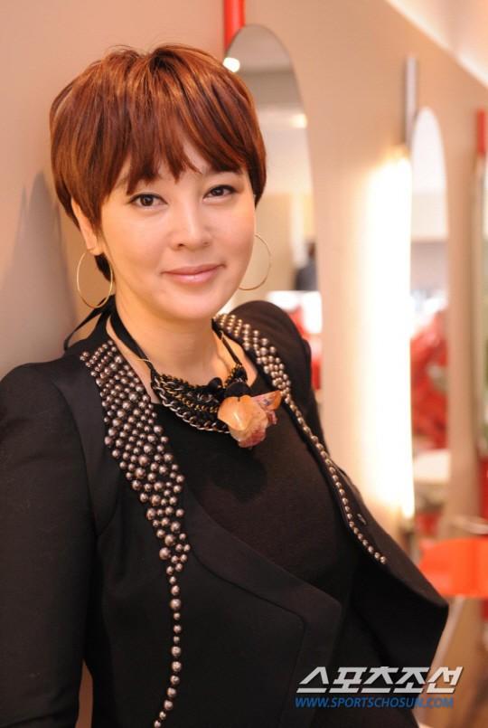 Bóc trần mặt tối cuộc thi Hoa hậu Hàn Quốc: Trao 8 vương miện, đầy quy tắc ngầm, loạt Hoa-Á hậu dính bê bối tình dục - Ảnh 29.