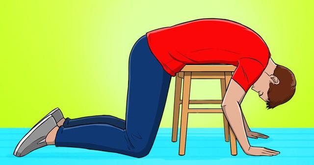 4 mẹo đẩy lùi chứng đau lưng ngay lập tức khi phải ngồi một chỗ cả ngày, dân văn phòng hay lái xe đều nên biết!  - Ảnh 1.