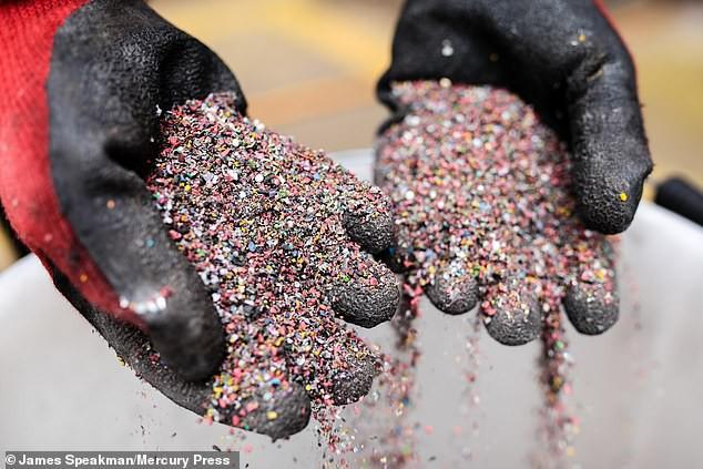 Đột phá siêu to khổng lồ cho Trái đất: Tất cả rác nhựa không thể tái chế được lần đầu tiên được chuyển hết thành điện siêu sạch - Ảnh 2.