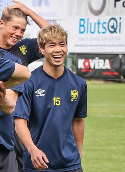 Chỉ với 1 tấm ảnh, Công Phượng đem về lượng like fanpage cho đội bóng Bỉ bằng 10 năm trước cộng lại - Ảnh 3.