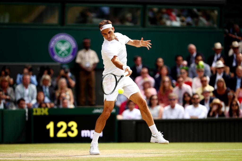 roger federer - photo 7 1563154349235674853997 - Nhói lòng khoảnh khắc huyền thoại Roger Federer lặng người bất động sau trận chung kết Wimbledon lịch sử và hấp dẫn không thể tin nổi