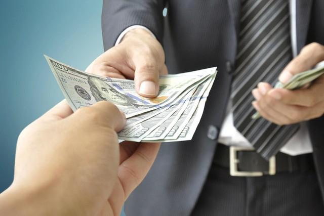 Lý Gia Thành khẳng định: Người dám cho bạn vay tiền sẽ là quý nhân, còn người dám trả tiền vay bạn chính là quý nhân của quý nhân, cần trân trọng cả đời - Ảnh 1.