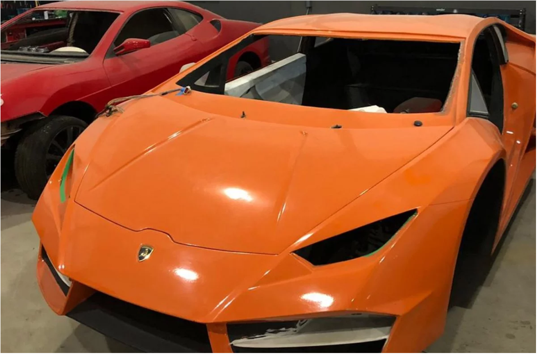 Bên trong nhà máy sản xuất siêu xe Ferrari, Lamborghini nhái - ảnh 1