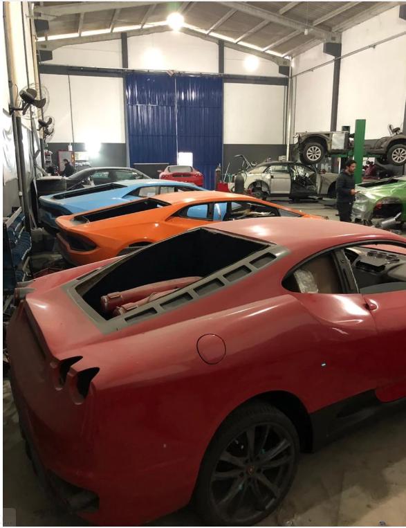 [Ảnh] Bên trong nhà máy sản xuất siêu xe Ferrari, Lamborghini nhái - Ảnh 6.