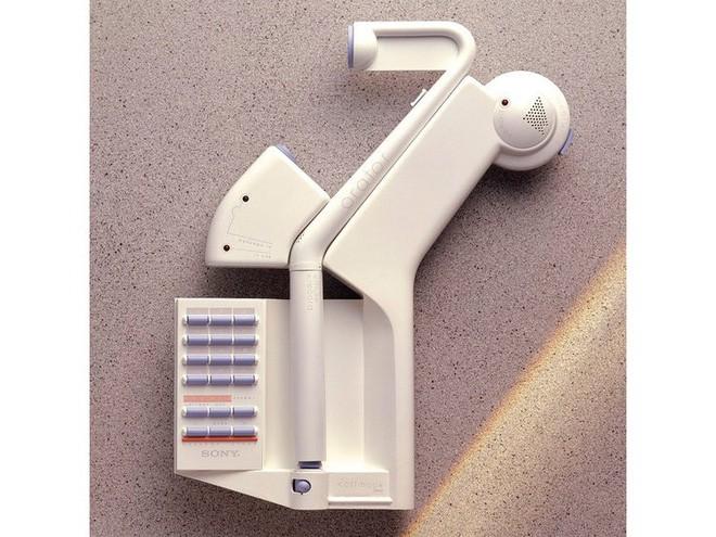 jony ive - 2 15620316226901412666747 - Ngoài iPhone, nhà thiết kế huyền thoại của Apple còn có nhiều sản phẩm thú vị khác chẳng ai ngờ tới