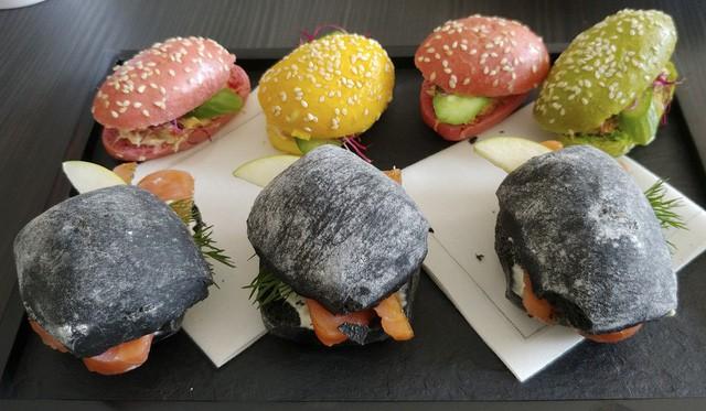 Chuyện ăn uống trên chuyên cơ dành cho khách VIP: Từ siêu phẩm 3 sao Michelin cho tới những yêu cầu quái dị của giới nhà giàu - Ảnh 1.