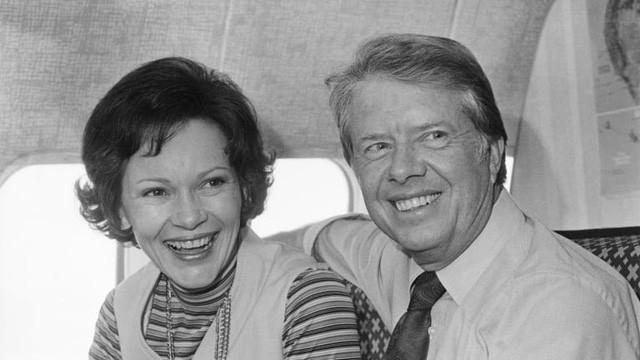 Bí quyết giữ lửa tình yêu của vợ chồng cựu Tổng thống Hoa Kì Jimmy Carter trong suốt 73 năm: Đơn giản nhưng hiệu quả, mọi cặp đôi đều phải nể phục - Ảnh 1.