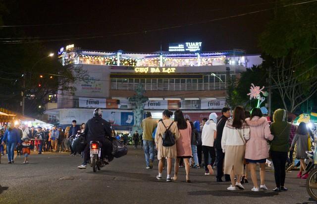 Kinh tế màu ánh đèn neon và cơ hội của Việt Nam - Ảnh 10.