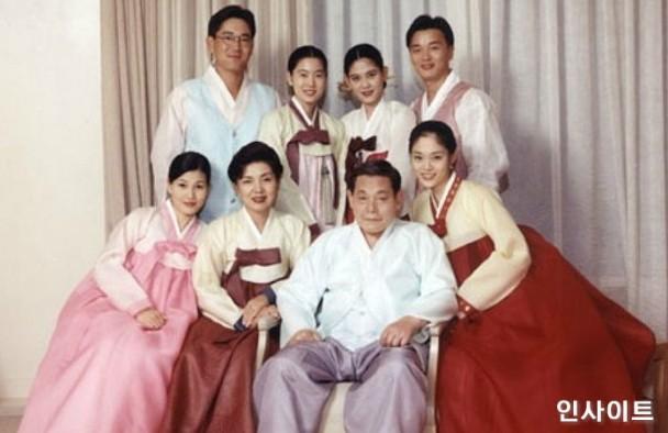 Tam đại tiểu thư Samsung: Người là nữ cường nhân giành ngôi Thái tử với anh trai, người kết thúc cuộc đời trong bi kịch vì bị gia đình chối bỏ - Ảnh 1.