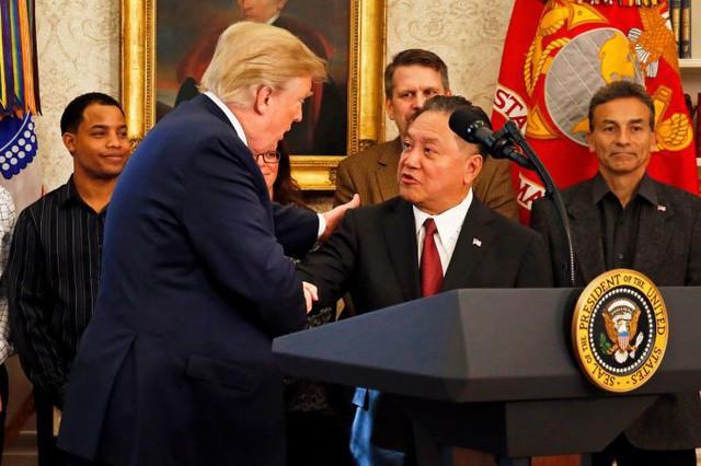 Tổng thống Trump gặp 7 CEO công nghệ bàn về Huawei - Ảnh 1.