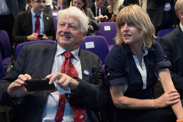 Hé lộ chân dung bóng hồng của tân Thủ tướng Anh: Mang danh là kẻ thứ 3 chen ngang tổ ấm 25 năm, trẻ trung quyến rũ và tài giỏi - Ảnh 2.