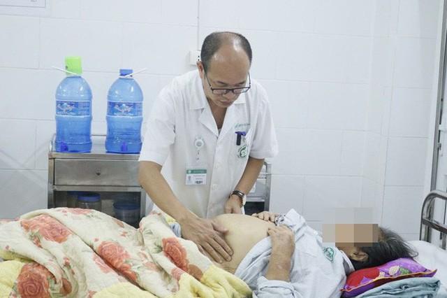 BS BV Bạch Mai khẳng định: 80% ung thư gan của người Việt là do thủ phạm giấu mặt này - Ảnh 1.
