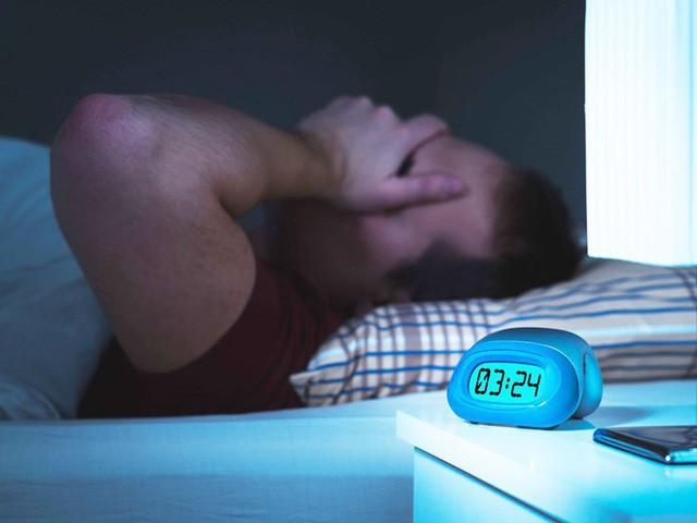 Người trưởng thành nên ngủ ít nhất 7 tiếng mỗi đêm nếu không những điều kinh khủng sẽ đến với toàn bộ cơ thể  - Ảnh 3.