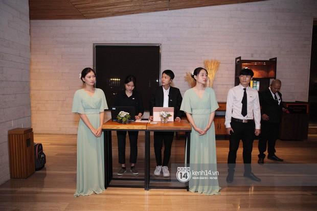Đám cưới Đàm Thu Trang - Cường Đô La: Dàn xe siêu khủng đồng loạt xuất hiện, an ninh thắt chặt tối đa trước giờ G - Ảnh 6.
