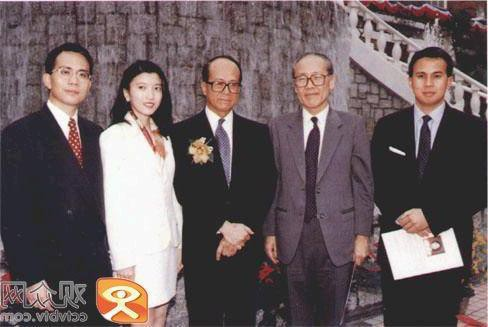 Bóng hồng của tỷ phú giàu nhất Hong Kong: 27 năm không danh phận, U60 vẫn không rời bỏ - Ảnh 4.