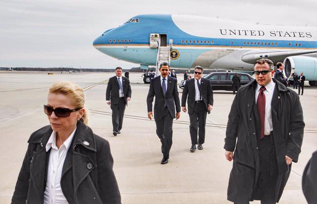 Đọc vị đối phương qua ngôn ngữ cơ thể chuẩn như mật vụ Mỹ từng bảo vệ nhà Obama: Khéo léo áp dụng, con đường thăng tiến không còn xa! - Ảnh 1.