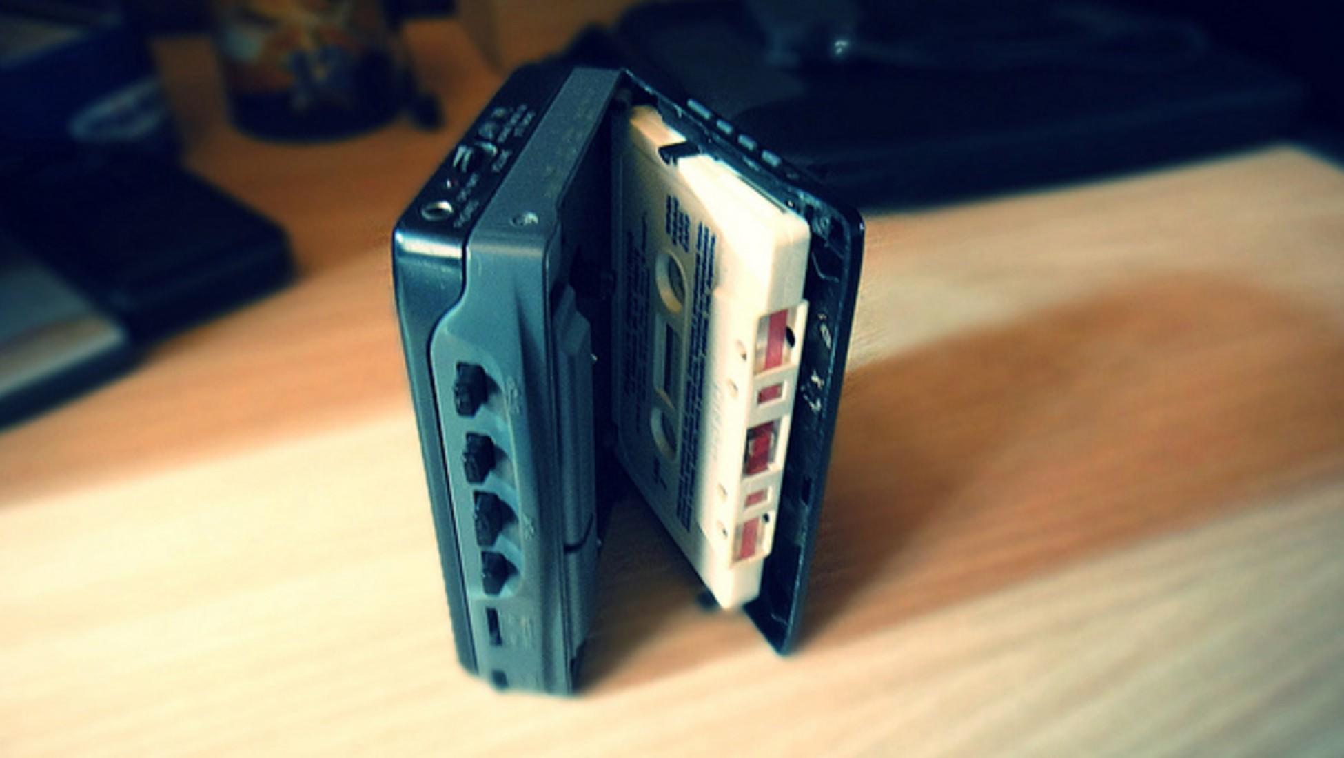 sony, walkman - photo 1 15621731412191273741300 - Liệu thế hệ 8X còn nhớ Walkman- chiếc máy làm cả thế giới thay đổi cách nghe nhạc của Sony?